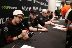 Clayster_eUnited_Signing_Booth_CoD_Champs