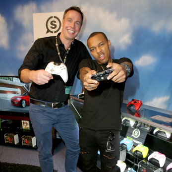 Dunc and bow wow Grammys Gift Lounge